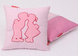 Knuffelkussen Dutch pink
