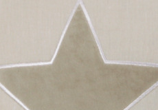 Knuffelkussen Star beige applicatie