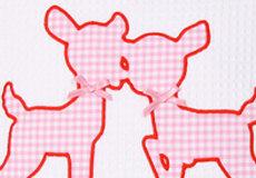 Sierkussen Hertjes pink applicatie