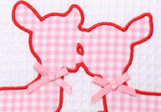 Knuffelkussen Hertjes pink applicatie